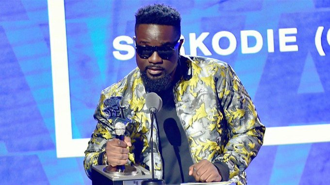 We bring you our very own Sarkodie's verse on the 2019 BET Cypher. enjoy  Sarkodie – 2019 BET Hiphop Cypher (Freestyle) [DOWNLOAD]        […]