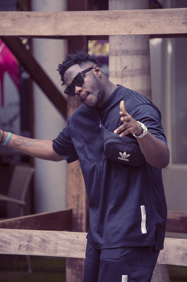 Rapper medikal teams up with Omar sterling of R2Bees fame to give us this jam tagged ASTALAVISTA produced by unklebeatz. check it out below  Medikal – Astalavista ft. Omar […]